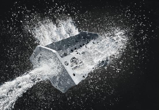 Den återvinningsbara rengöringsvätskan Castrol Techniclean XBC för metallbearbetning minskar avfall, förbättrar hållbarhet och bidrar till den cirkulära ekonomin
