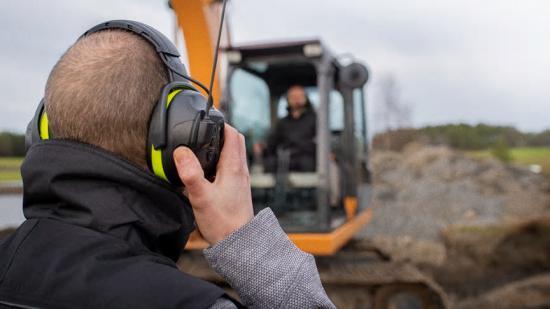 Hellberg Local är ett hörselskydd och headset med inbyggd kommunikationsradio.