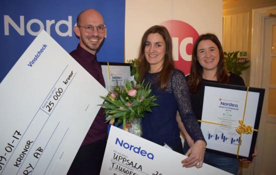 Deep Forestry och preVet vann Nordeas resestipendium 2019 på 25 000 kronor vardera. Från vänster: Levi Farrand på Deep Forestry, samt Jenny Gagnér och Helene Adalberth på preVet.