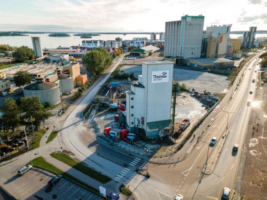 Sveriges äldstabetongfabrik i drift lämnar nuplats för utveckling av Mälarportsområdet i Västerås.
