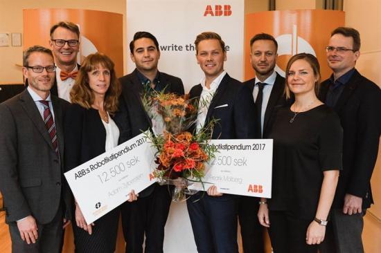 Idag mottog Fredrik Mälberg och Adam Zylberstein ABB:s Robotikstipendium 2017. Stipendieceremonin hölls på Mälardalens högskola i Västerås. Från vänster: Gustaf Flodström (ABB), Peter Gustafsson (MDH), Helena Nilsson (ABB), Adam Zylberstein (stipendiat), Fredrik Mälberg (stipendiat), Dennis Helfridson (ABB), Cecilia Lindh (MDH) och Staffan Elfving (ABB).