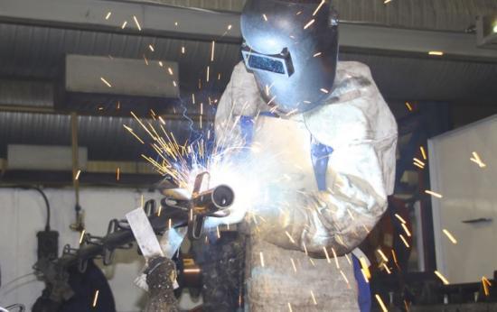 Kemiska risker är vanliga på många arbetsplatser. Det är arbetsgivarens ansvar att förebygga riskerna.