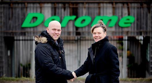 <span>Deromes VD Magnus Andersson ochElni Kullmer, chef för IFS Skandinavien.</span>