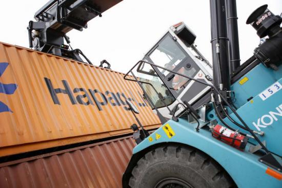 <span>Hapag-Lloyd har trafikerat Helsingborgs Hamn i många år, att samarbetet växer år för år ser hamnen som ett kvitto på goda relationer och flexibel hantering.</span>