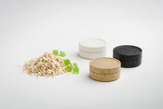 Sulapac är ett helt biologiskt nedbrytbart material fritt från mikroplaster och tillverkas av förnybara och hållbara råmaterial.