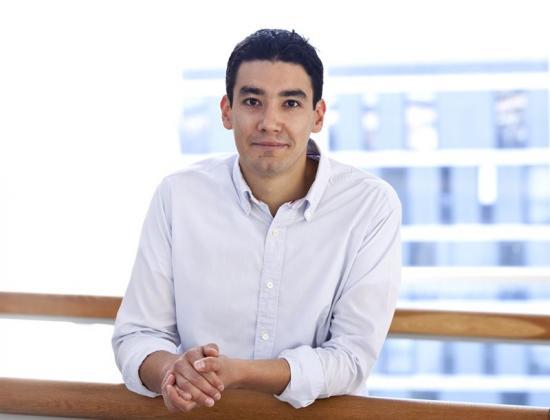 Samuel Lara Avila, docent på avdelningen för kvantkomponentfysik på MC2, och en av författarna till artikeln.