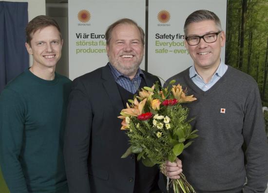Fr v Johan Byström, hälsospecialist Skutskärs bruk, Joachim Morath, vd Feelgood och Henrik Holm, platschef Skutskärs bruk.