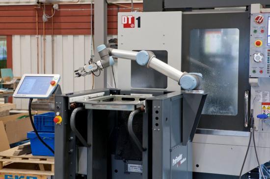 FT-Produktion upptäckte cobotlösningar vid ett möte med maskinleverantören Edströms, som levererar och installerar nyckelfärdiga cobotlösningar.