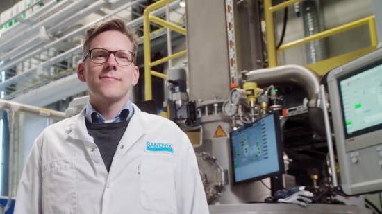 – Med vår nya state-of-the-art-anläggning för titanpulver skapas helt nya möjligheter för additiv tillverkning med titan, säger Peter Harlin, försäljning och forskningsledning på Sandvik Additive Manufacturing.