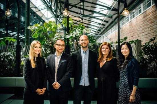 Shareholder team: Alexandra Kulldorff, Eric Zhang, Markus Holmberg, Karin Ebbinghaus (Almi Invest) och Hongxia Li Karlsson.