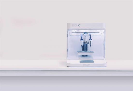 CELLINKs och Semcons BIO X, en 3D-bioprinter för mänsklig vävnad tilldelas Stora Designpriset 2019.