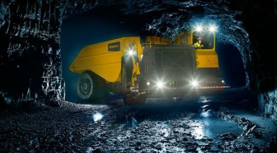 Epiroc Minetruck MT65 med världens högsta nyttolastkapacitet.