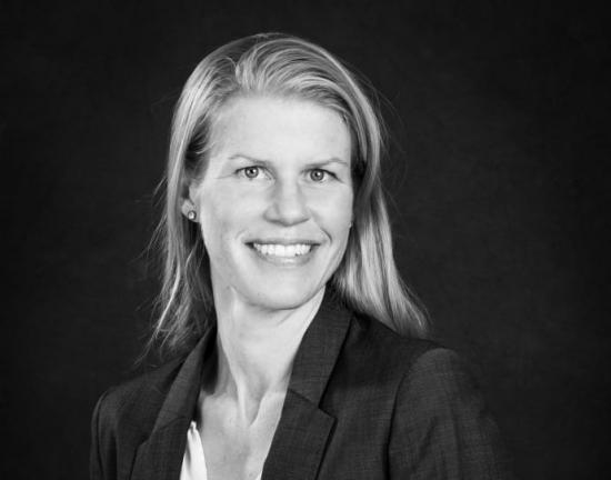 – Aktieägare, investerare och potentiella investerare skyddas nu ännu bättre från otydlig eller missvisande information, säger Kerstin Brinnen, branschjurist Svemin.