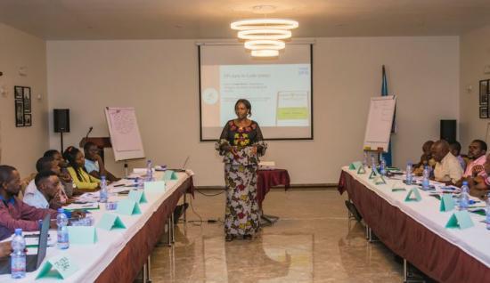 Gruvkooperativ för hantverksbrytning i Kolwezi, Demokratiska republiken Kongo (DR Kongo), deltar i utbildningar för ansvarsfull gruvdrift.