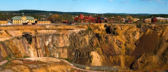 Stora Stöten, dagbrottet vid Falu Gruva, som uppstod vid det stora raset i gruvan 1687.