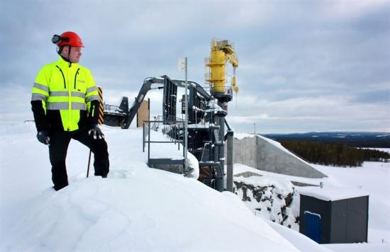 Niclas Svanelöv, sektionschef gruva, Svappavaara, vid primärkrossen i Mertainen som planeras att bli tagen i drift till hösten.