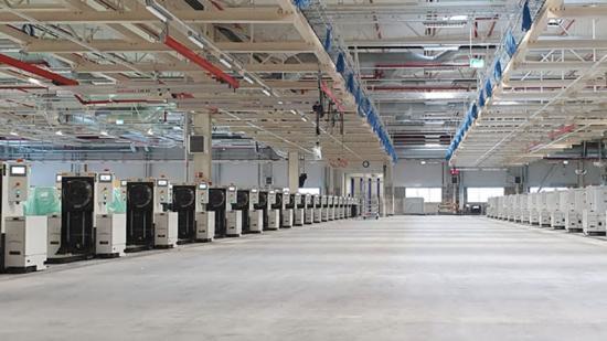 Jernbro får Navistar-order på AGV-system.