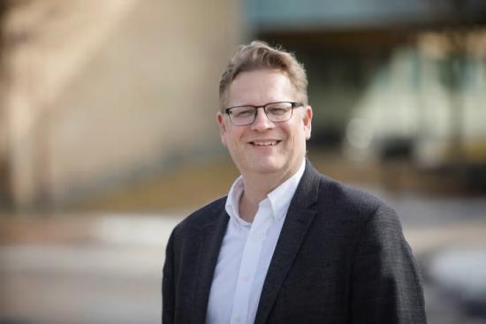 Jonny Holmström, professor vid institutionen för Informatik, kommer leda det nya forskningsprogrammet.