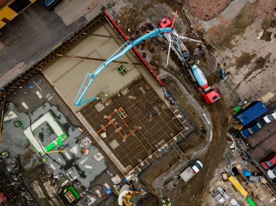 Thomagrön levereras till Lansa Fastigheters projekt Ängsgärdet i Västerås. En klimatförbättrad betong med alternativa bindemedel som minskar koldioxidavtrycket med upp till 50 procent.